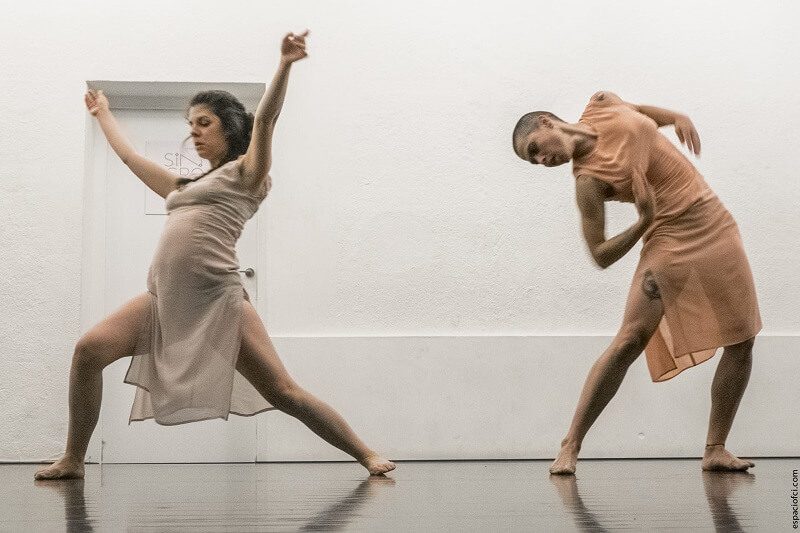 Danza contact improvisación